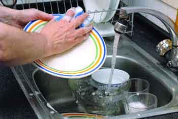 Fregando platos