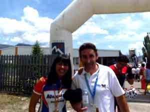 Eva Gil junto a Fernando Escartín en la prueba cicloturista Treparriscos