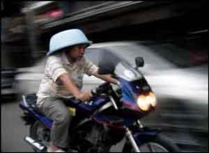 En moto sin casco