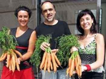 Vendiendo zanahorias y regalando entradas