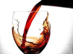 tomando-un-vino