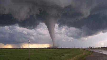Un tornado destruye un pueblo ruso