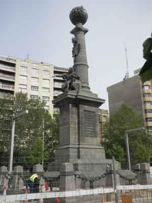Monumento en Zaragoza al Justicia de Aragón
