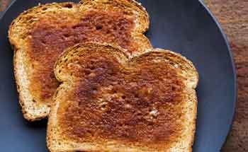 Pan tostado casi quemado