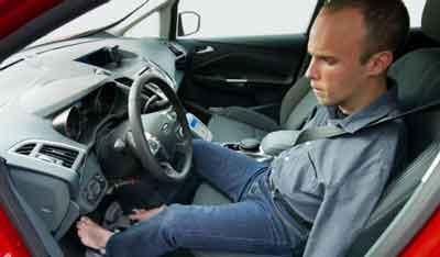 Primer conductor europeo sin brazos