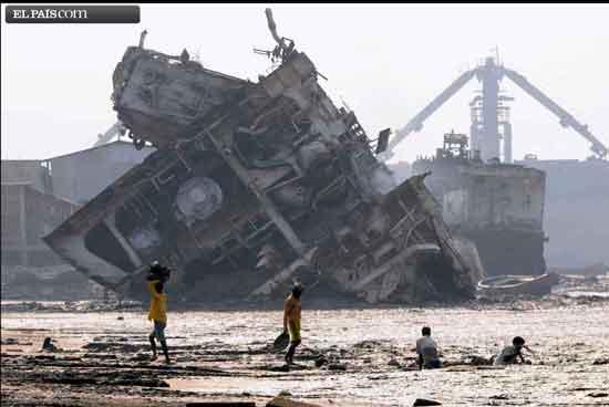 Desguace de barcos en Chittagong
