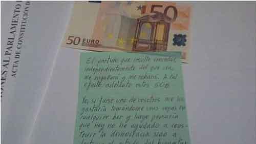 El votante que sustituyó su papeleta por un billete de 50 euros en las elecciones de Andalucía