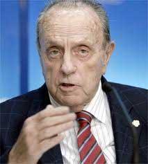 Muere el veterano político español Manuel Fraga