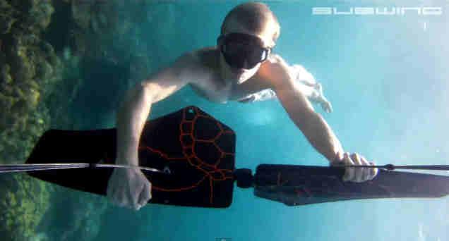 Alas para volar bajo el agua