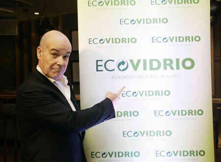 Antonio Resines protagoniza una campaña para impulsar el reciclado de envases de vidrio en el sector hostelero